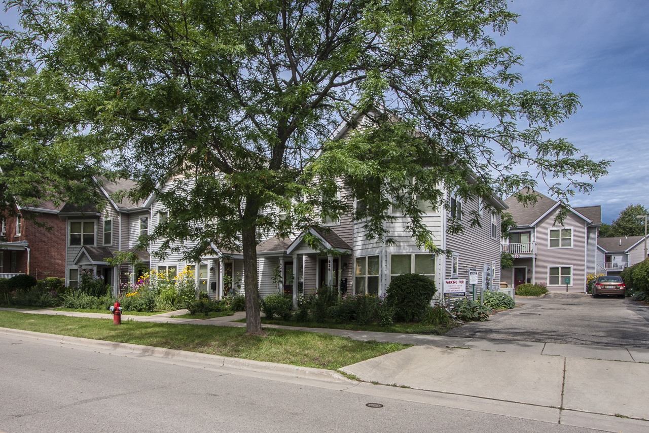 Homes For Sale Middleton Wi >> Coachyard Square Condos for Sale - Lake & City Homes