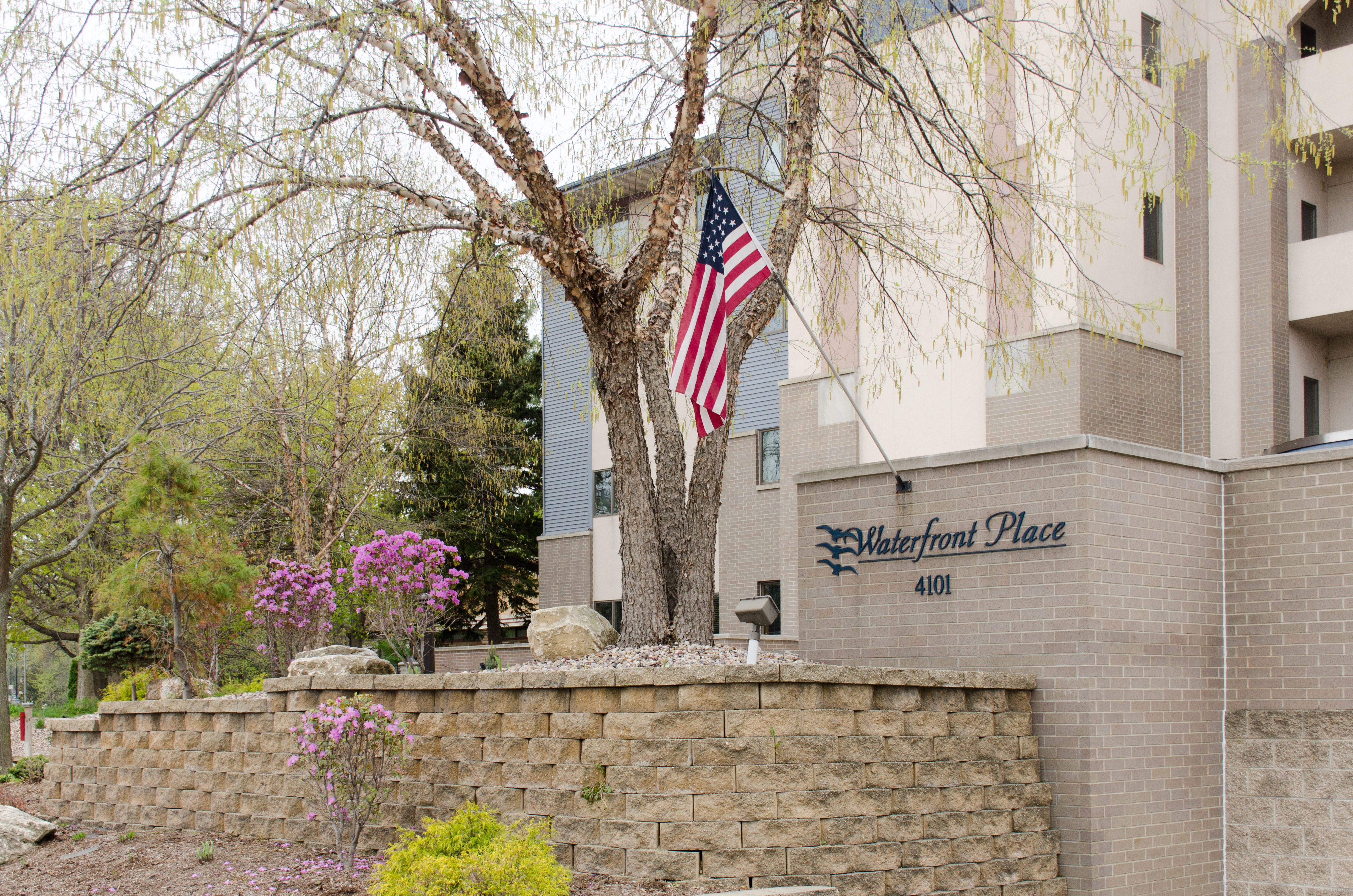 Homes For Sale Middleton Wi >> Waterfront Place - Lake Monona WI Condos for Sale - Lake ...