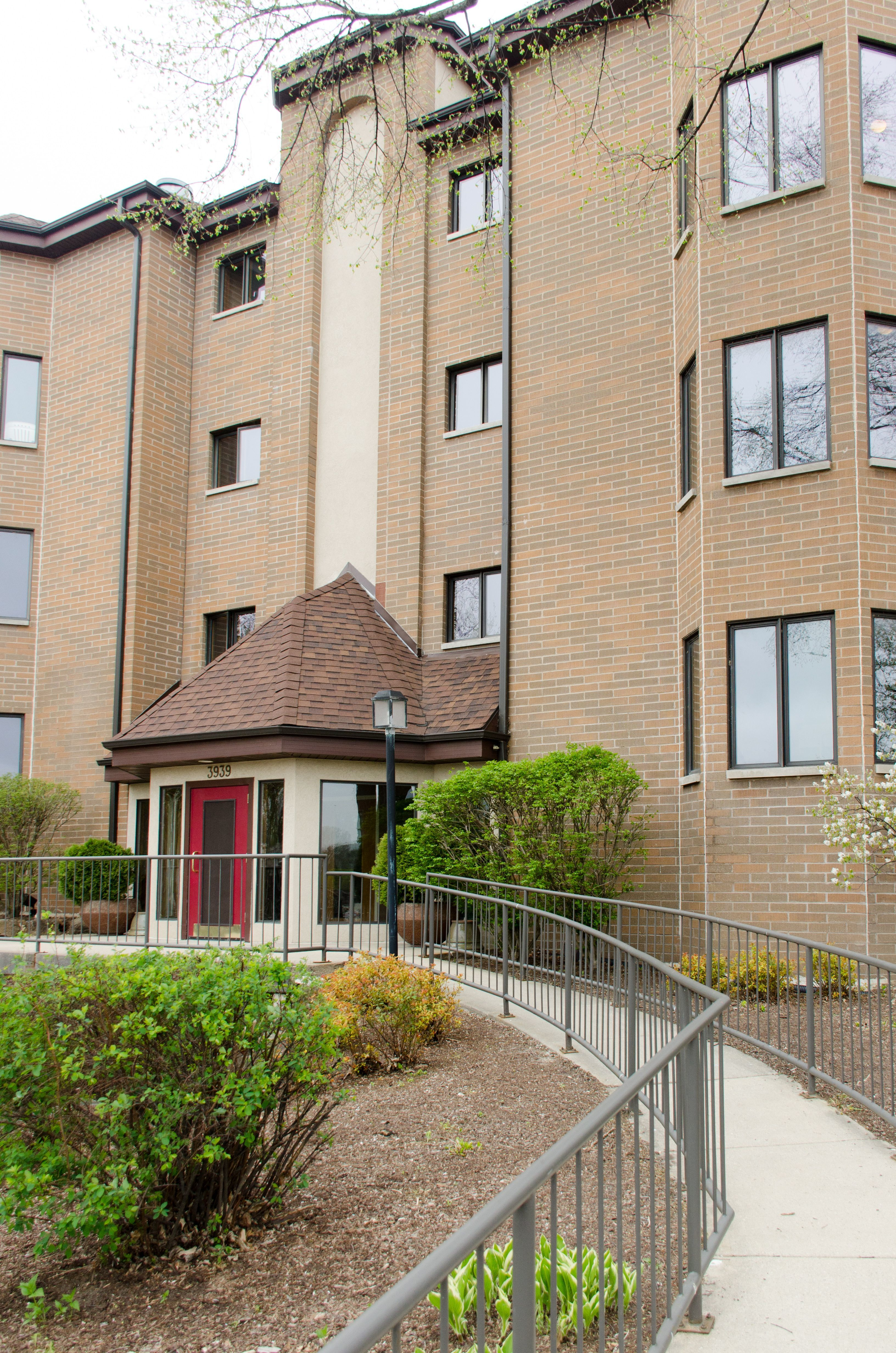 Homes For Sale Middleton Wi >> Water's Edge II - Lake Monona WI Condos for Sale - Lake ...