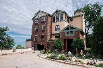 Pinckney Place Condominiums in Madison, WI