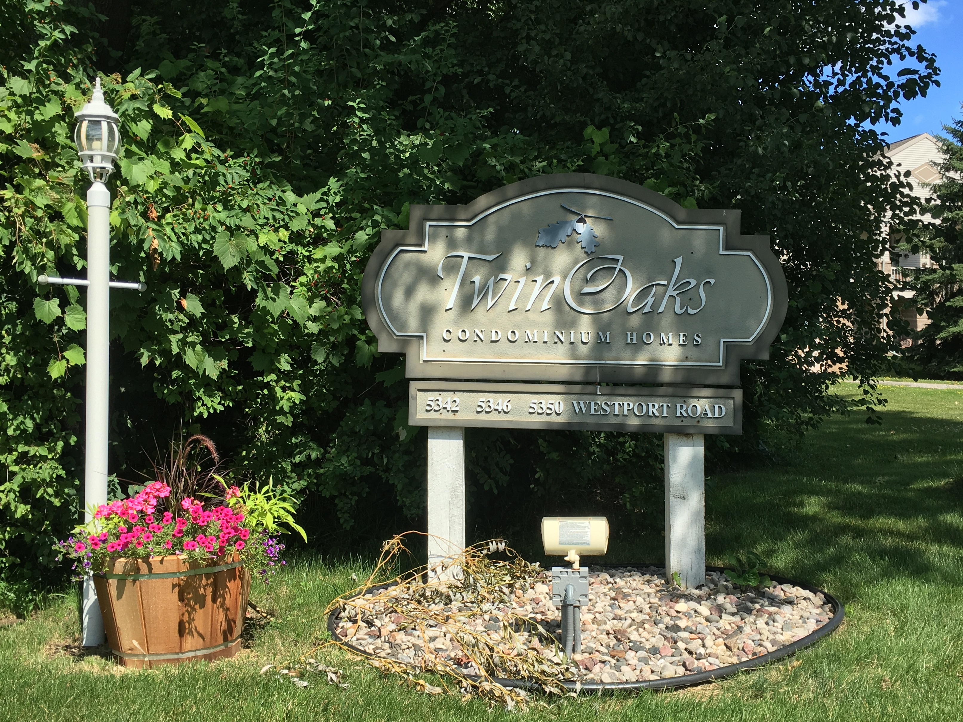 Twin Oaks Condos for Sale - Westport, WI - Lake & City Homes
