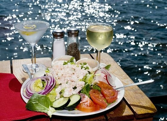 Where Are The Best Waterfront Restaurants Near Madison Wisconsin