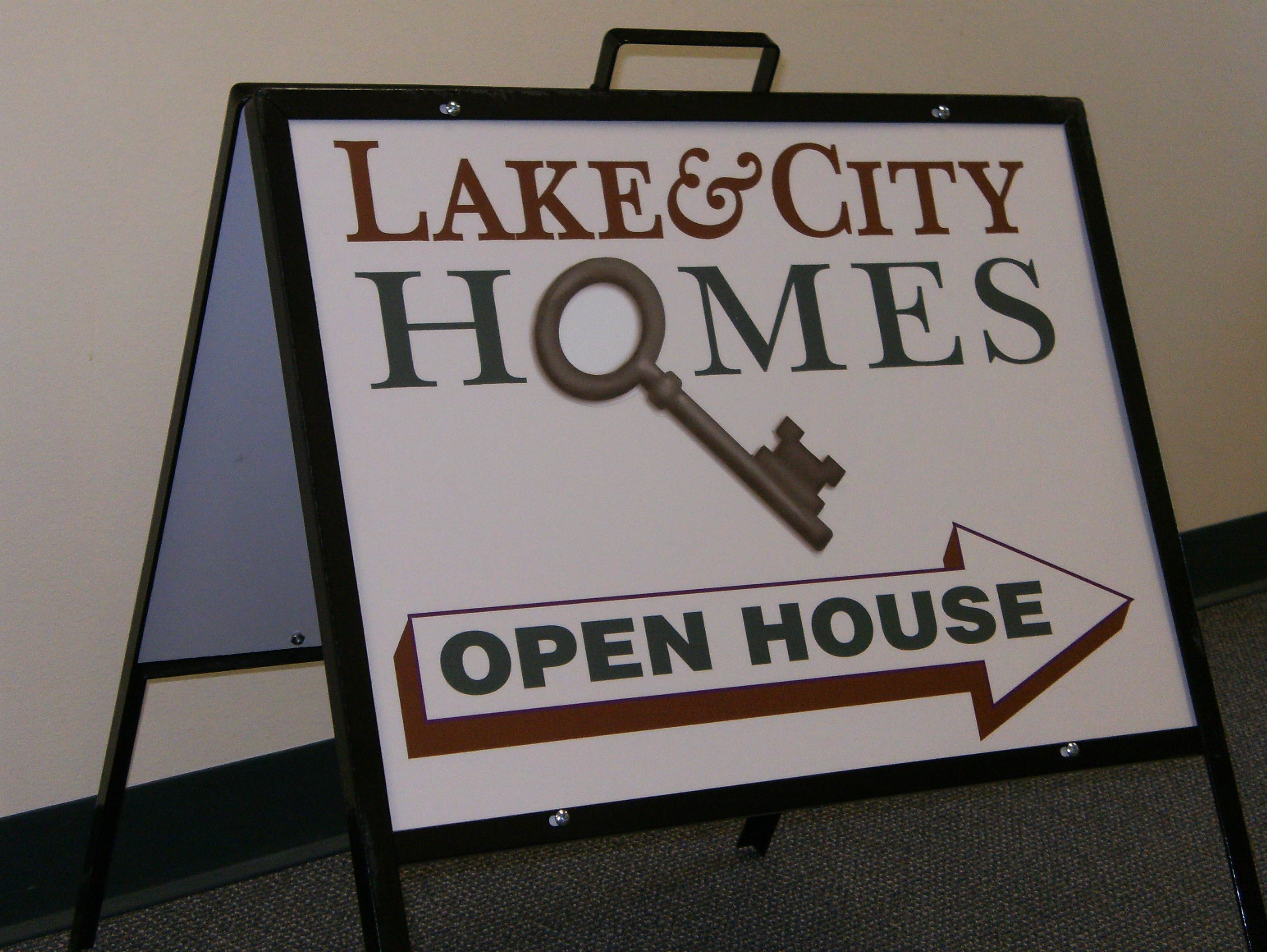 Lake & City Homes new yard sign!