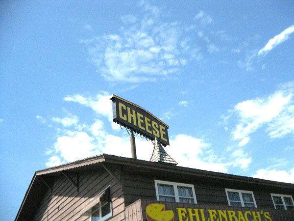 Ehlenbach's Cheese Chalet - Image Credit: https://www.flickr.com/photos/rayb777/4832898176/